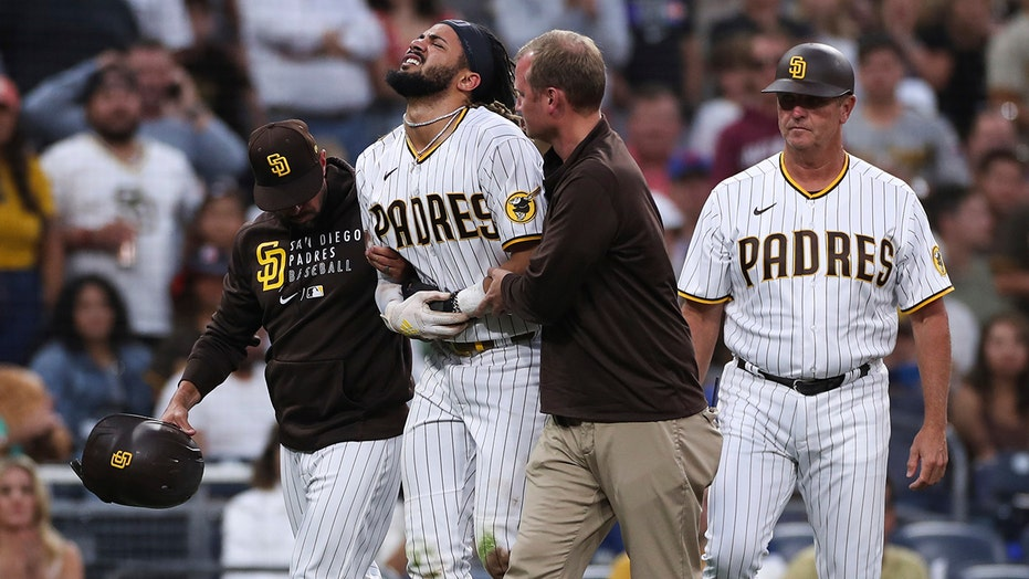 Padres star Tatis on 10-day injured list with shoulder trouble