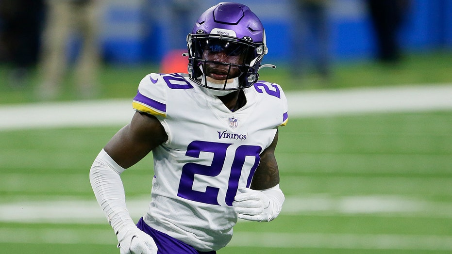 Vikings release CB Jeff Gladney after assault indictment