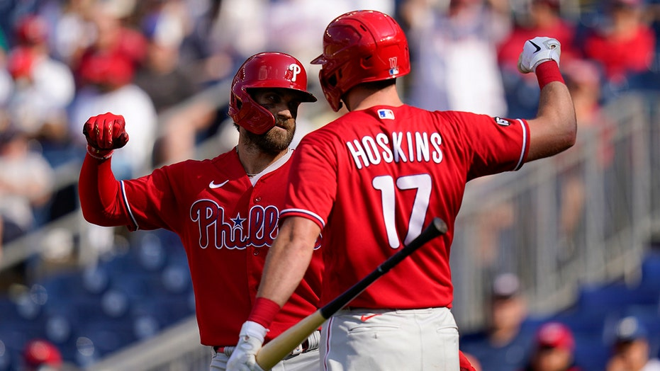 Realmuto, Hoskins help streaking Phils rally past Nats 7-6