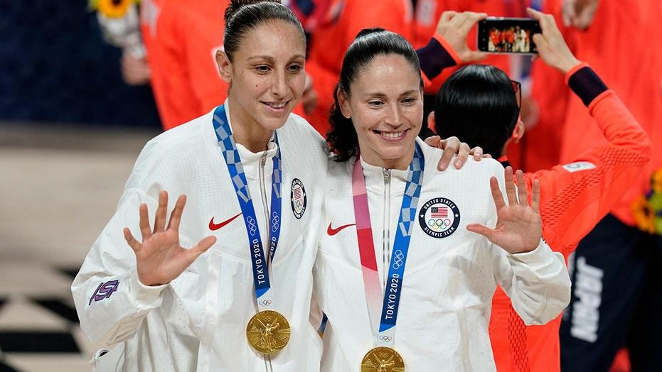 US rolls to women's hoops gold medal in Bird's last Olympics