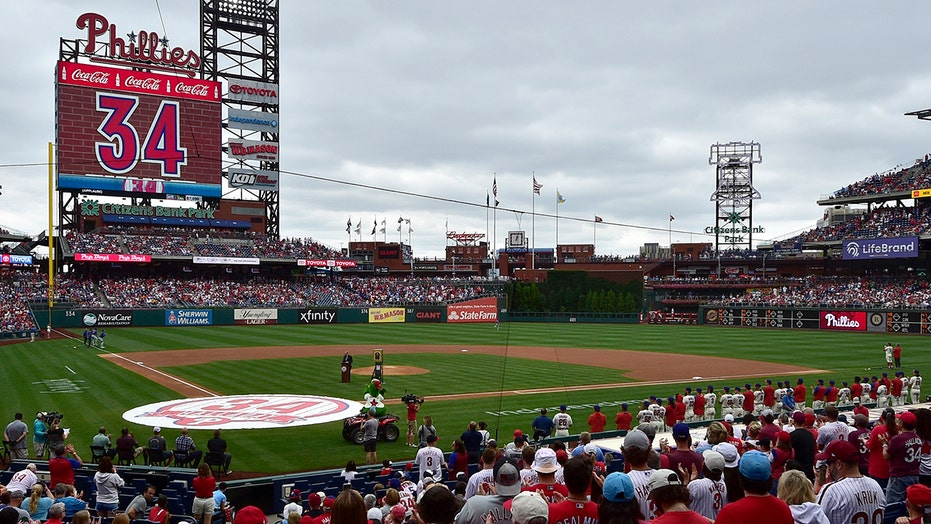 Phillies retire Halladay's No. 34 in tribute to late ace