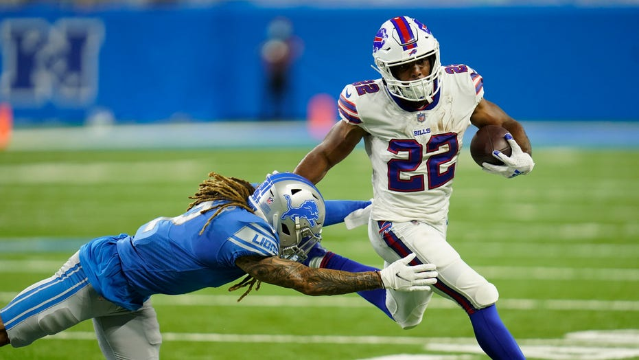 Jake Fromm leads Bills in 16-15 comeback victory over Lions