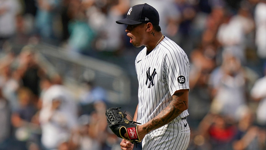 Loaisiga leaves bases loaded in 7th, Yanks beat Red Sox 5-3