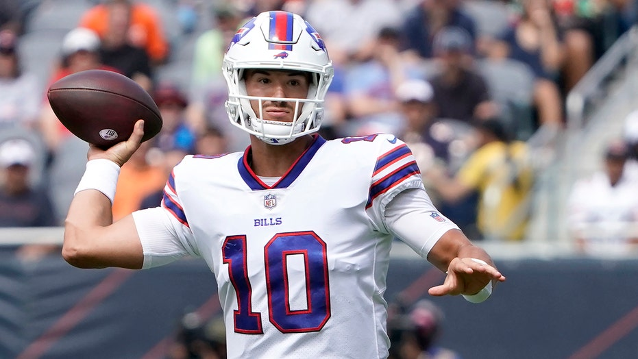 Trubisky shines as Bills roll past Bears with 41-15 win