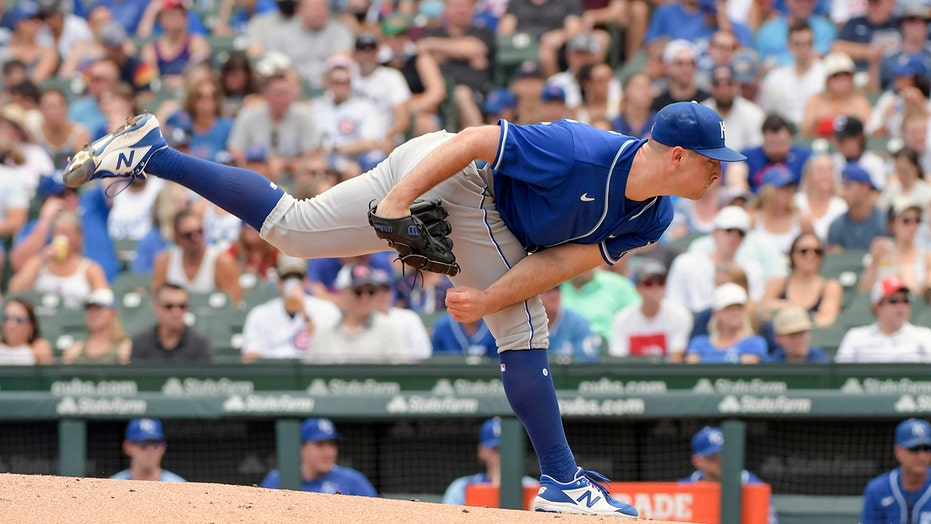 Bubic takes no-hitter into 7th, Royals beat Cubs 4-2