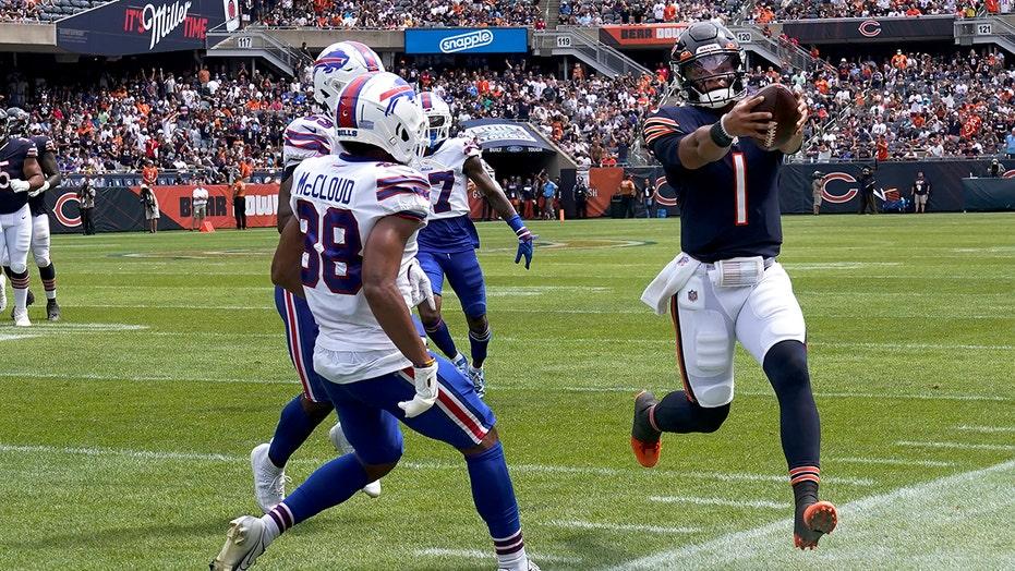 Bears' Justin Fields gets annihilated by helmet-to-helmet hit in preseason game vs. Bills