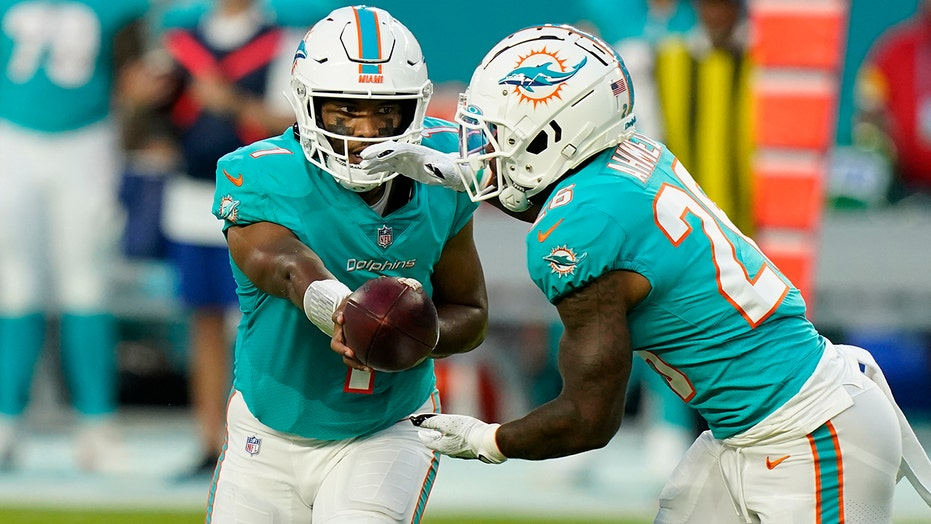 Tagovailoa sharp in Dolphins' 37-17 win over Falcons
