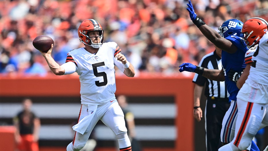 Keenum throws TD, Browns beat Giants in matchup of reserves