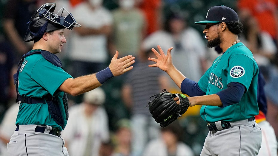 Mariners score 4 in 11th to earn 6-3 win over Astros