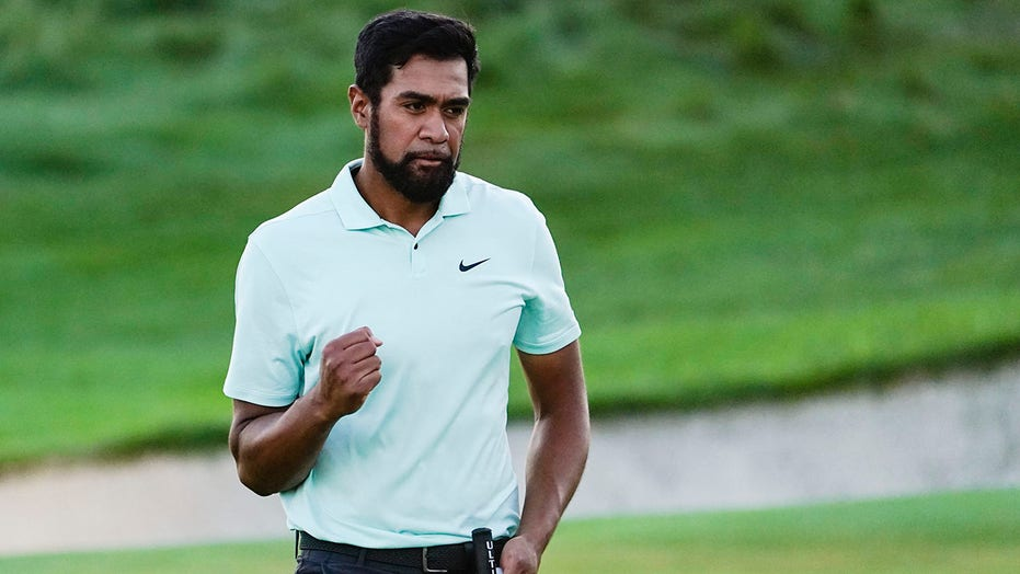 Tony Finau ends 5-year drought and wins Northern Trust