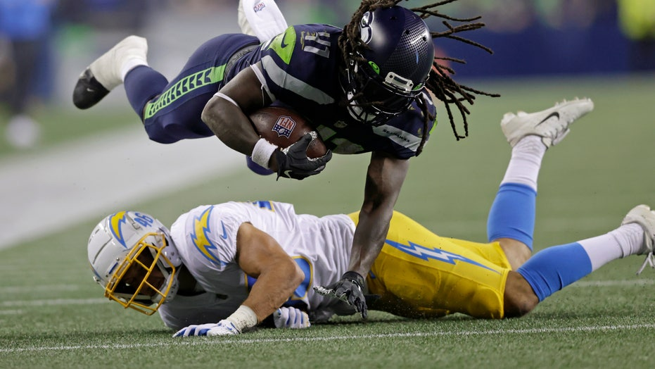 Seahawks thump Chargers 27-0 with most starters sitting