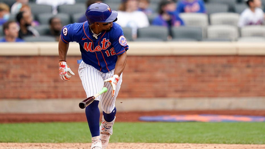 Lindor forces balk, hits 2-run double, Mets beat Nationals