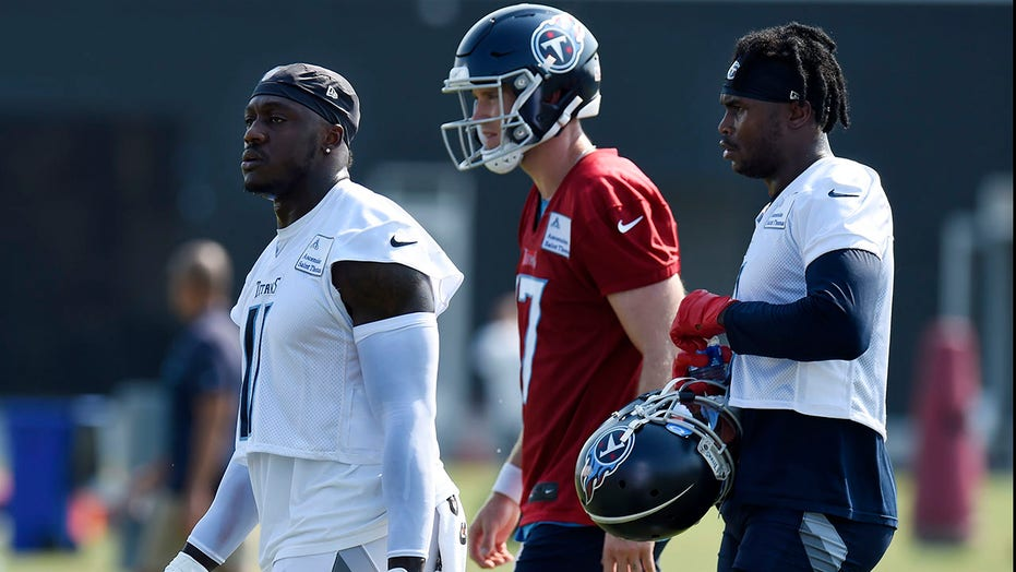 Titans latest hoping trading for receiver gives title boost