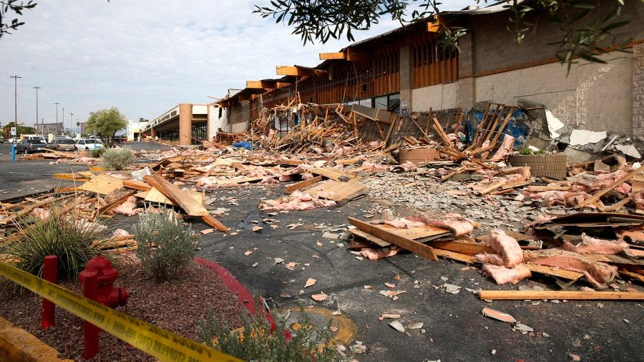 Nevada supermarket collapse injures 4, cause unknown