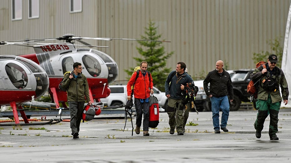 Alaska sightseeing plane crashes near Ketchikan; at least 6 dead, including pilot, Coast Guard says
