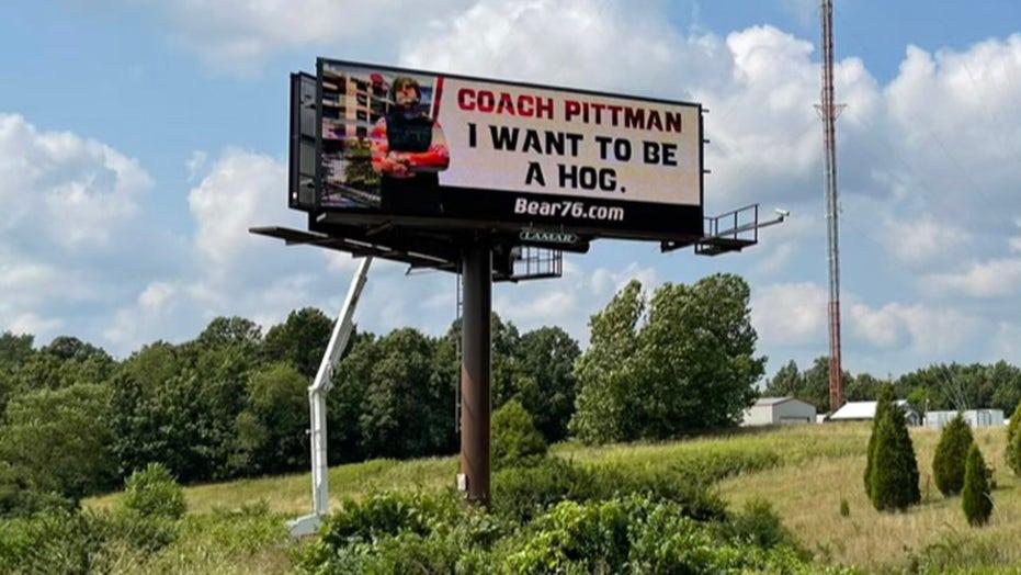 13-year-old college football hopeful hangs billboard to grab attention of Arkansas Razorbacks coach