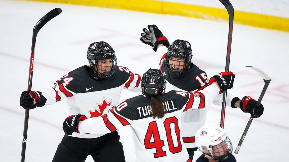 Canada beats US 5-1 in women's world hockey championship