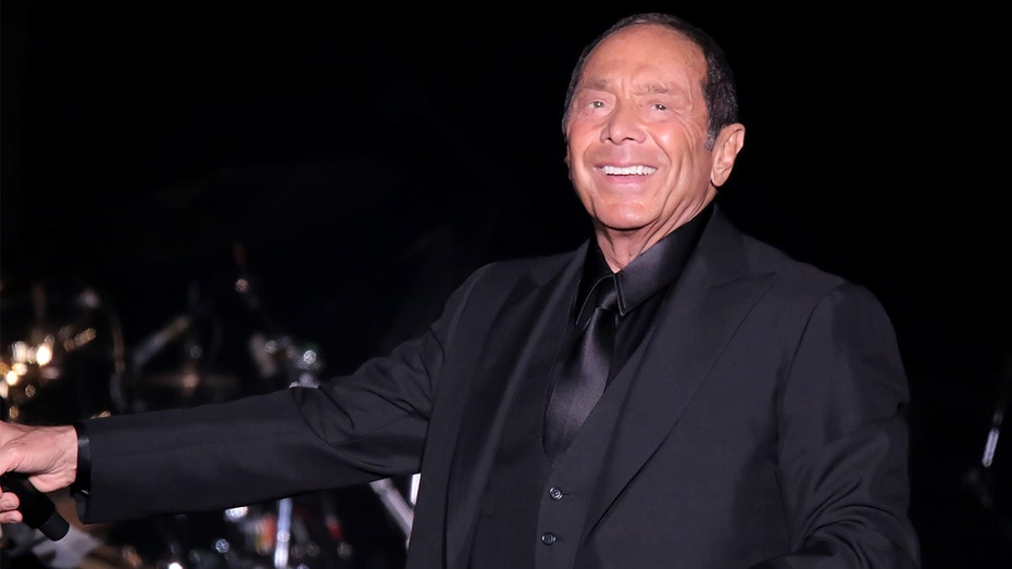 Paul Anka recalls the moment he first heard Frank Sinatra sing his song 'My Way': 'I started crying'