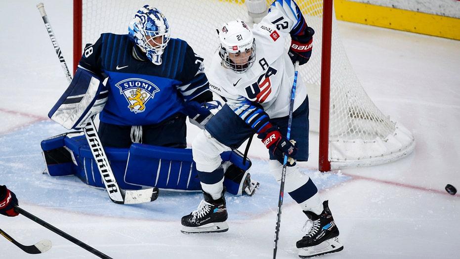 Hilary Knight ties goal record, US beats Finland 3-0