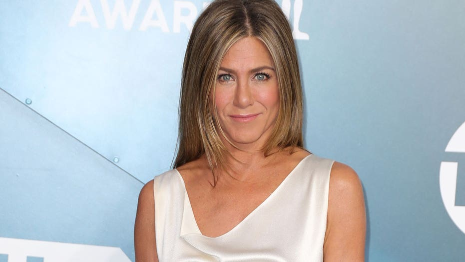 Jennifer Aniston admits she has 'lost' some friends who didn't get the COVID vaccine: 'It's a real shame'