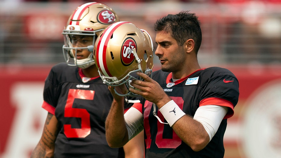 ESPN star likens 49ers' QB situation to chess, says 'go figure' black pieces 'always go second'