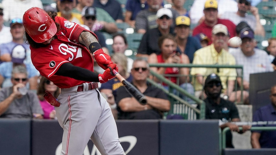India, Castellanos homer to back Gray; Reds beat Brewers 5-1