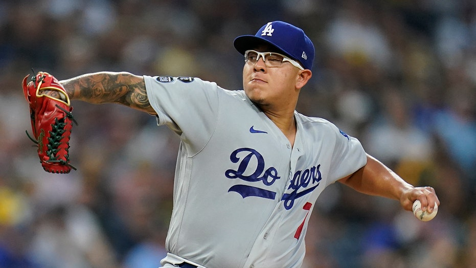 Pollock, Urías lead Dodgers past slumping Padres 5-2