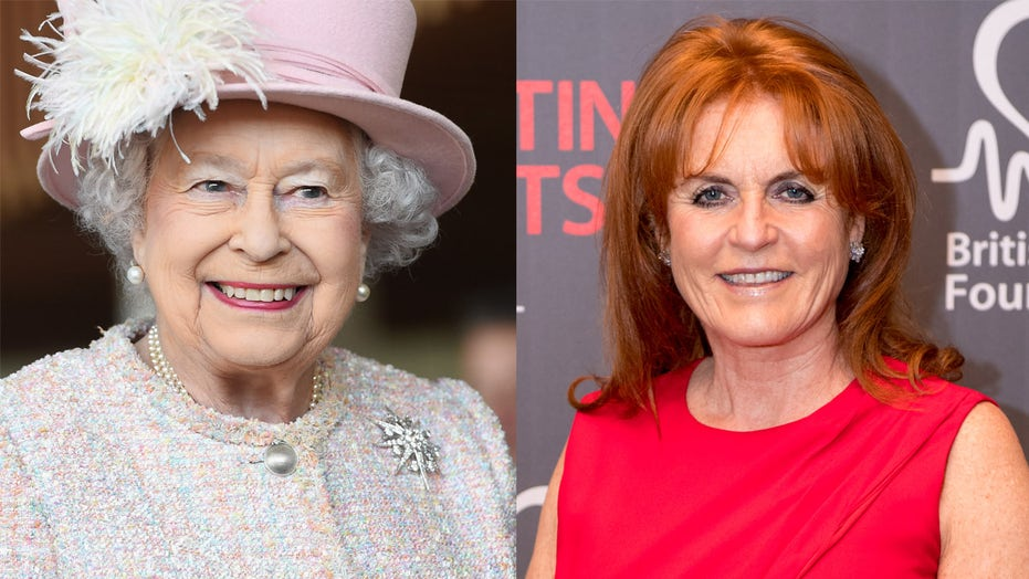 Queen Elizabeth II 'cautiously' inviting Sarah Ferguson to royal events: report