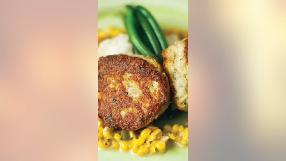 Chef's famous crab cakes he serves at top South Carolina restaurant: Try the recipe