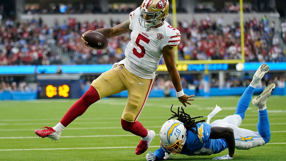 49ers' quarterback competition heats up after Trey Lance's solid game vs. Chargers