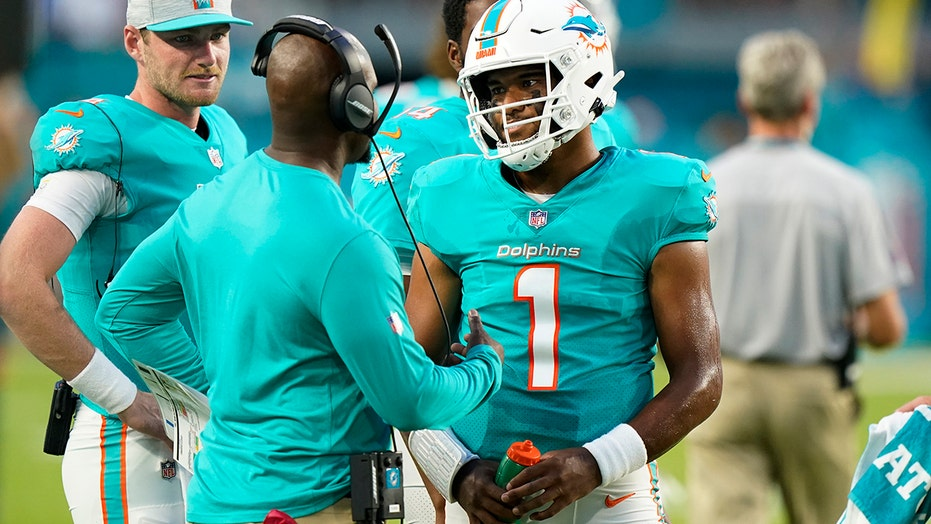 Dolphins' Brian Flores says 'Tua [Tagovailoa] is our quarterback' amid Deshaun Watson trade rumors