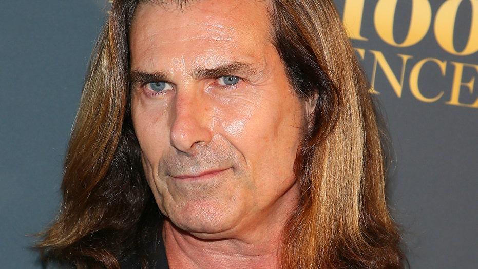 Fabio reveals he sleeps in hyperbaric chamber to avoid aging