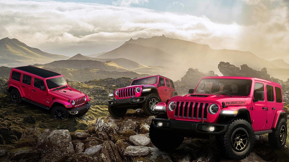The Tuscadero Pink Jeep Wrangler is hot