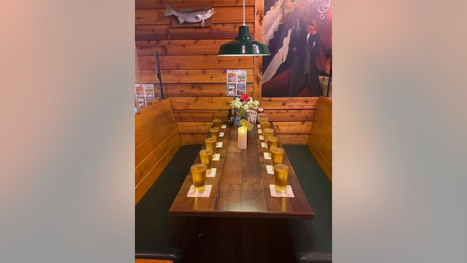 Texas Roadhouse in Kentucky honors 13 US service members slain in Kabul bombing with touching photo