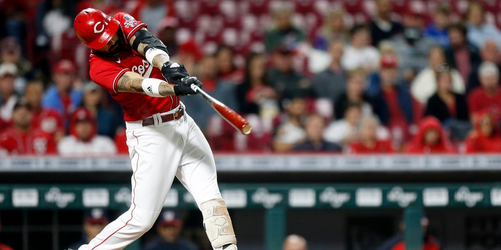 Reds beat Nationals 8-7 in 11 but fall further behind Cards