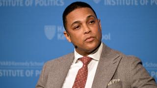 """非裔CNN主持人认为肤色和 """"特权 """"可以解释白人嫌犯家庭不与警方对话的原因"""