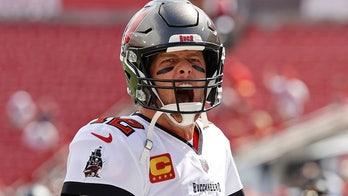 Patriots' Bill Belichick on Tom Brady playing until 50: 'If anybody can do it, it's him'