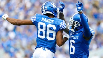 Levis, Ajian help Kentucky rally past FCS Chattanooga 28-23