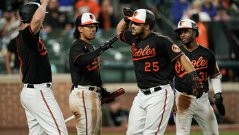 Orioles hit two homers off Ray, beat Blue Jays 6-3