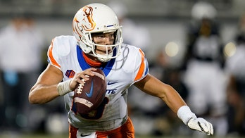 Boise State's Hank Bachmeier appears to join class during lightning delay