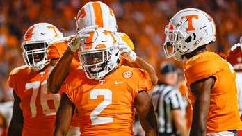 Heupel's debut ends in Tennessee's 38-6 win