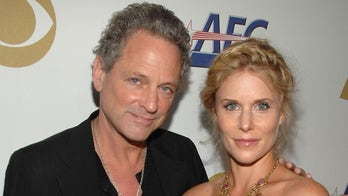 Lindsey Buckingham, wife Kristen are 'working on' their marriage three months after filing for divorce