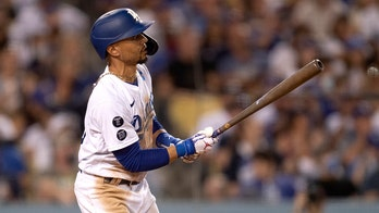 Betts homers on 4-RBI night, Dodgers beat Padres 5-4