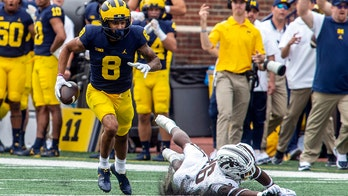 Michigan routs W. Michigan 47-14, loses WR Bell to an injury