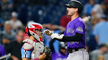 McMahon, Hilliard homer in 9th, rally Rockies over Phillies