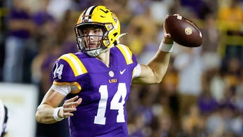 Johnson passes for 5 TDs, LSU tops Cent. Michigan, 49-21