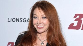 'Elvira' star Cassandra Peterson reveals 19-year relationship with woman
