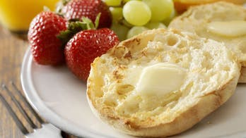 Man reveals 'right' way to cut an English muffin and the internet is divided