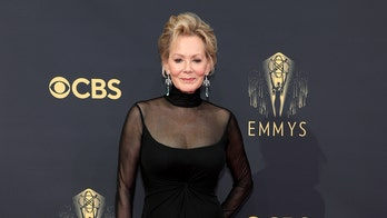 Emmy winner Jean Smart pays tribute to late husband Richard Gilliland in speech
