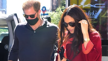 Prince Harry, Meghan Markle chow down on comfort food in Harlem, donate $25K to COVID-19 relief fund